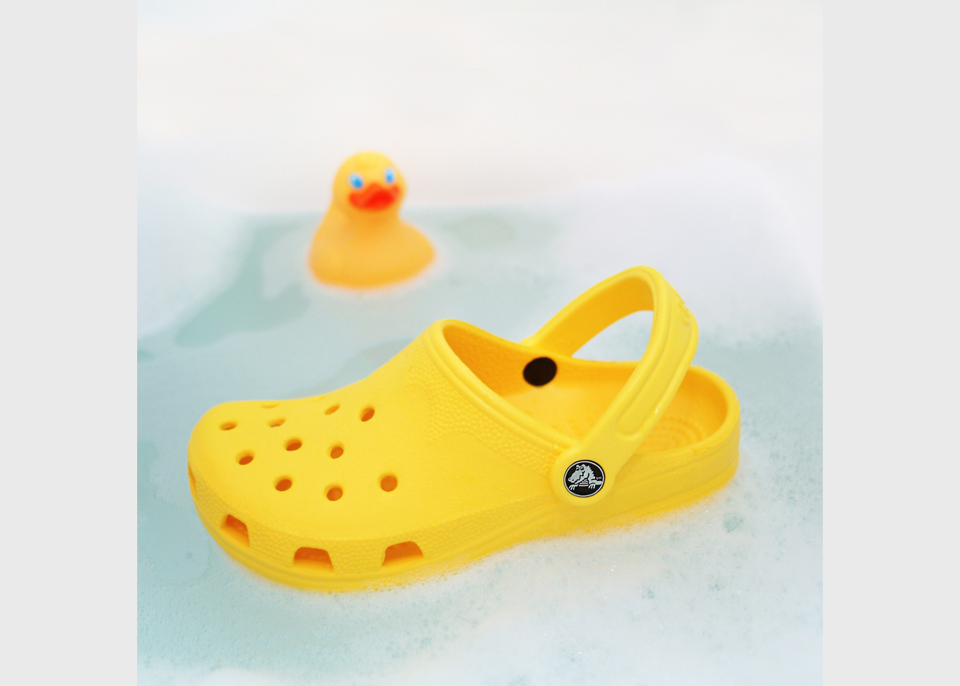 crocs in wasser und bibili